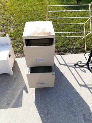Filing cabinet for Sale in Lakeland, FL