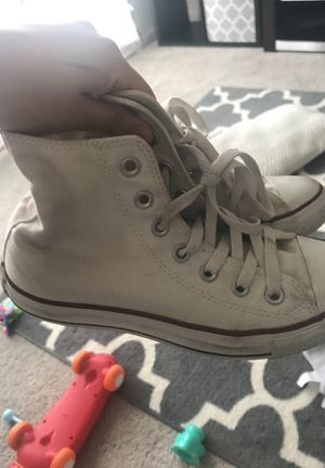 Size 4 high top converse for Sale in Fairfax, VA