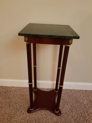 End Table for Sale in Mundelein, IL