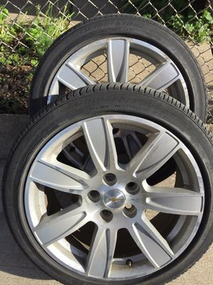 2 18' buick lacross rims with bridge stone tires for Sale in Franklin Park, IL