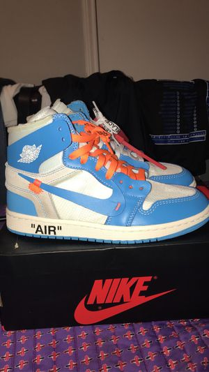 Off white unc size 8 for Sale in Houston, TX