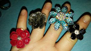4 unique flower rings for Sale in Killeen, TX