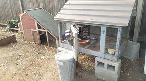 Chicken coop & Rabbit Hutch for Sale in Oakdale, CA