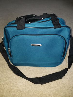 2 small duffle bags for Sale in Kissimmee, FL