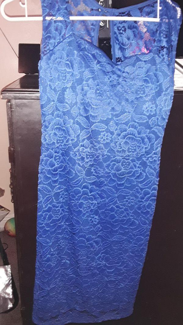 Girl Blue dress with flower nice.