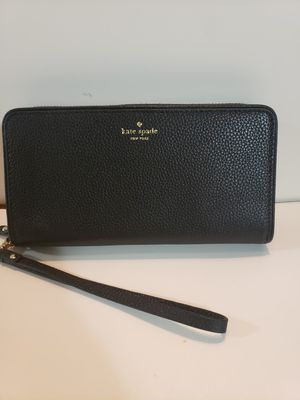 Big wallet kate spade authentic brand new for Sale in Garden Grove, CA