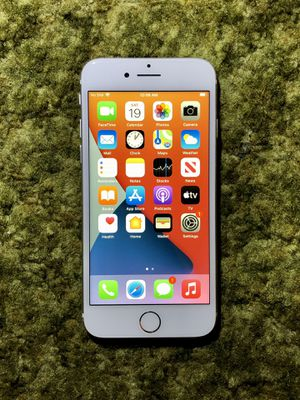 iPhone 8 | 128GB | Silver | A1863 | CDMA & GSM Unlocked for Sale in Anaheim, CA