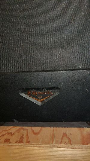 Klipsch speakers pair- uses speaker wire for Sale in Queens, NY