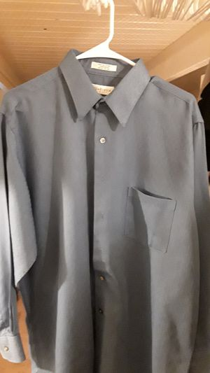 Mens Van Heusen dress shirt for Sale in Anchorage, AK