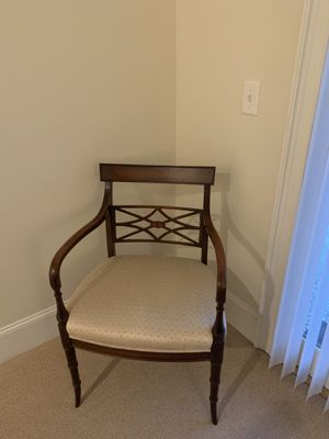 Antique chair for Sale in Savannah, GA