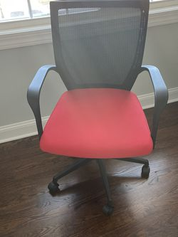 Desk Chair for Sale in Point Pleasant,  NJ