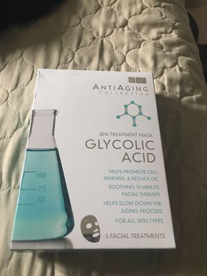 Set of 5 glycolic acid face masks for Sale in Elgin, IL