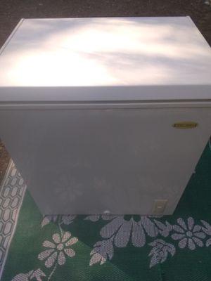 Chest Freezer for Sale in Arlington, WA
