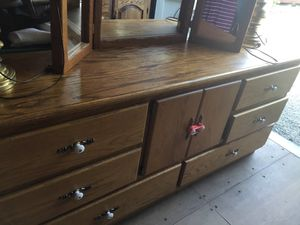 Dresser with mirror for Sale in Darrington, WA