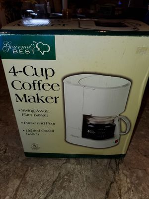 4 cup coffee maker for Sale in Southgate, MI