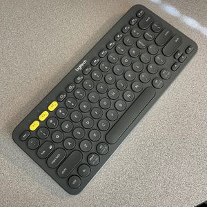 Logitech K380 Multi-Device Bluetooth Keyboard – Dark Grey - Works With Apple iPad for Sale in Englewood, CO