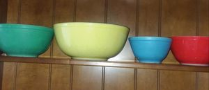 Vintage Set of Pyrex Mixing Bowls (1961) for Sale in Seattle, WA