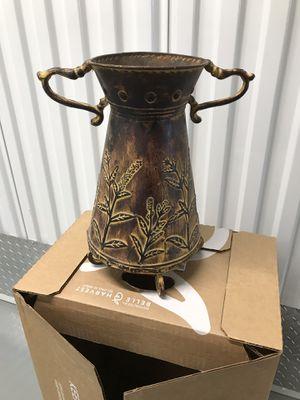 Flower vase for Sale in Obetz, OH