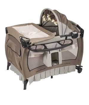 Crib/pack and play for Sale in Las Vegas, NV