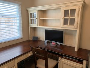 Kathy Ireland Wood L Shaped Desk and Filing Cabinet for Sale in San Diego, CA
