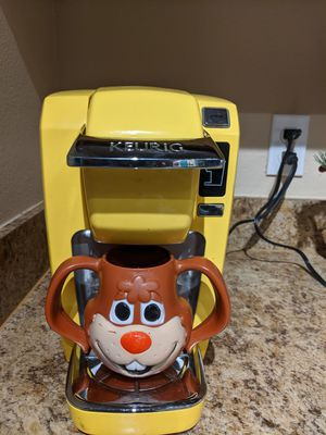 Yellow Keurig for Sale in Orlando, FL