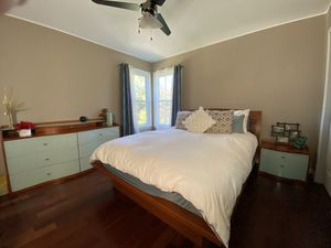Modern bedroom set for Sale in Manalapan Township, NJ