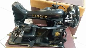 1950's Singer Sewing machine with case for Sale in Elkridge, MD