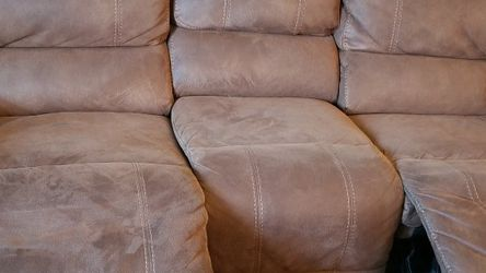 Power Recliner Sofa/loveseat set for Sale in Los Angeles,  CA