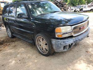 2001 GMC Denali for parts for Sale in Dallas, TX