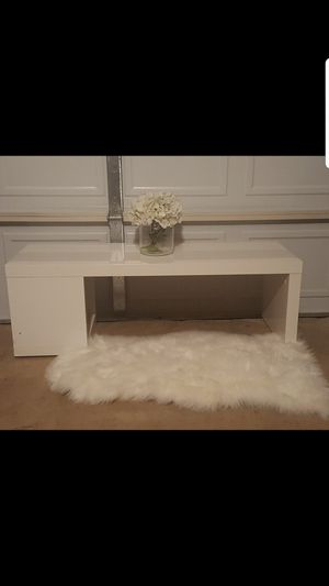 Modern White Coffee Table for Sale in Lancaster, TX