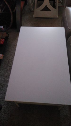 ikea Coffee table for Sale in Hilliard, OH