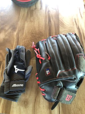 Baseball mitt and batting gloves for Sale in Stockton, CA