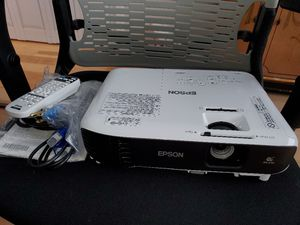 Epson midia projector for Sale in Boca Raton, FL