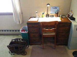 Desk Space for Sale in Phoenix, AZ