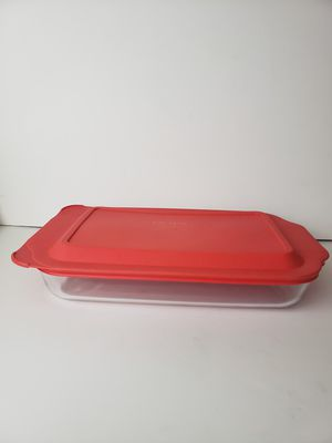 Pyrex Clear Roast Pan 3QT w red lid for Sale in Orlando, FL