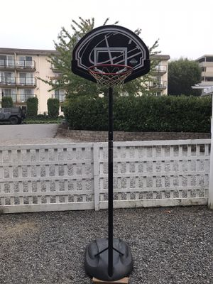 Small basketball hoop for Sale in Woodway, WA