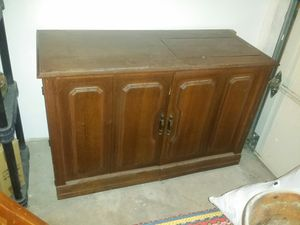 Parsons Sewing Machine Electric Lift Craft Cabinet for Sale in Carson City, NV