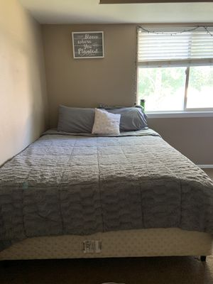 Queen size bed and frame and box spring in perfect condition! Set of 3 dressers! Entertainment center and side table to match! for Sale in Grand Junction, CO