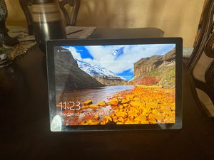 Surface Pro 7 (Like new) for Sale in Miramar, FL