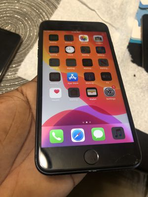 Unlocked iPhone 8 Plus 64GB ( CRACKED) for Sale in Laurel, MD
