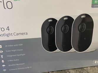 VMC4350P-100NAS - Arlo Pro 4 Spotlight Camera (SEALED) for Sale in Bothell,  WA