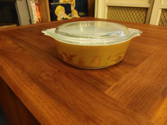 Vintage Pyrex Casserole Dish for Sale in Ruston,  WA