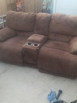 FIRST 20 BUCKS TAKES IT - PICKUP NOW! Double Reclining Loveseat Sofa VERY COMFY!! for Sale in San Diego,  CA