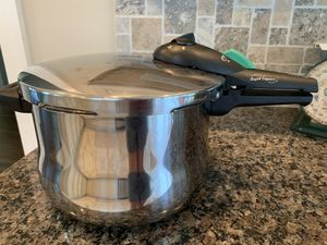 Fagor Pressure Cooker for Sale in Fort Myers, FL