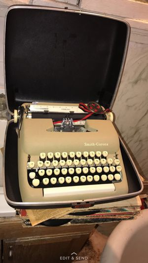Smith corona typewriter for Sale in Cleveland, OH