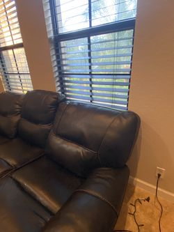Black leather couch. for Sale in Delray Beach,  FL