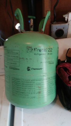R22 freon about one or two pounds for Sale in Apache Junction, AZ