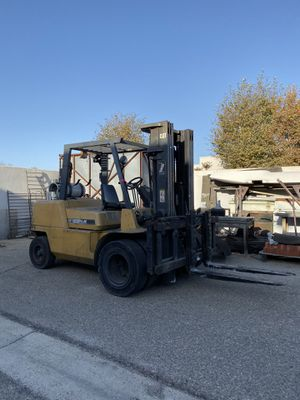 Caterpillar Forklift 11,000 LBS DUAL PNEUMATIC TIRES for Sale in Anaheim, CA