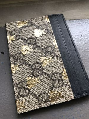 Gucci card wallet for Sale in Bloomingdale, IL