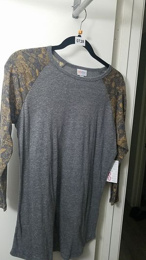 Lularoe Randy baseball tee small new with tags for Sale in Fontana, CA